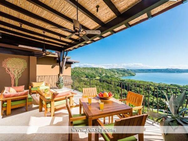 Hotel Pictures: Monkey Villa Apartment, Nacascolo