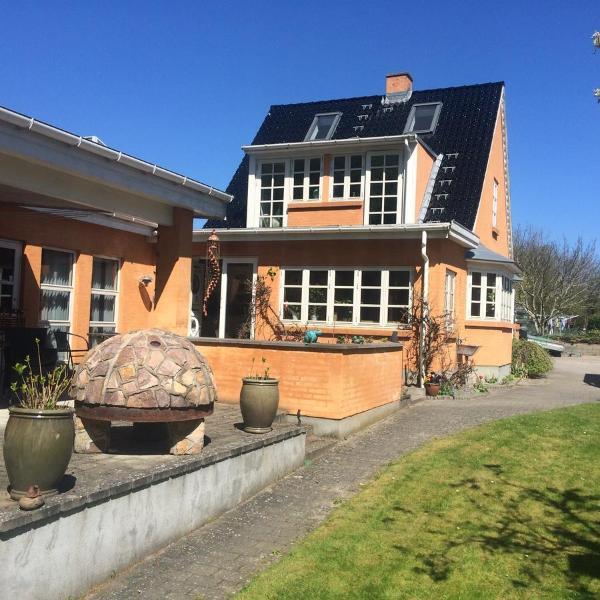 Hotel Pictures: Bangsebro Skovens Bed & Breakfast, Nykøbing Falster