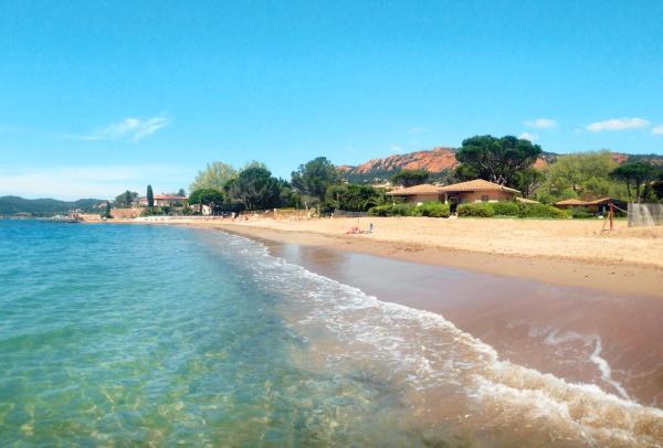 Hotel Pictures: Résidence Agathos (un jardin sur la plage), Agay - Saint Raphael
