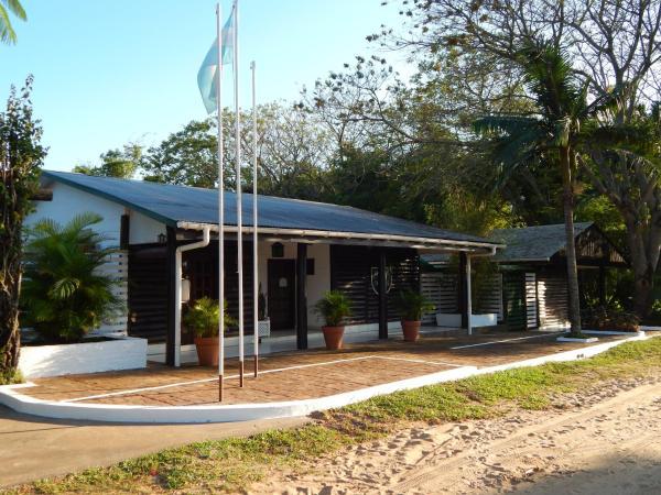 Hotel Pictures: Cabañas Los Troncos, Ituzaingó