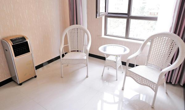 Hotel Pictures: Chifeng Youth Hostel Longshan Hongjun Branch, Chifeng