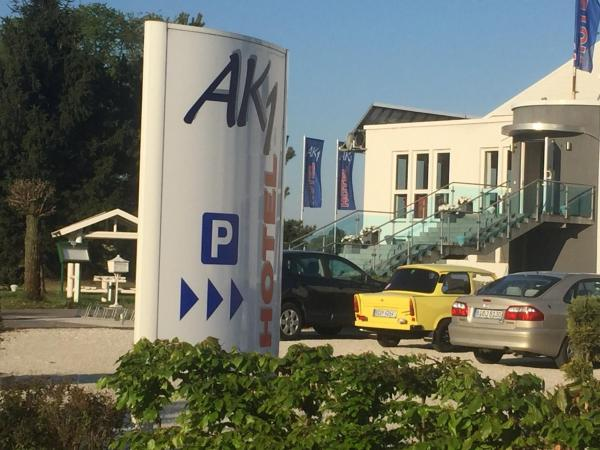 Hotel Pictures: AK 1 Hotel, Ducherow