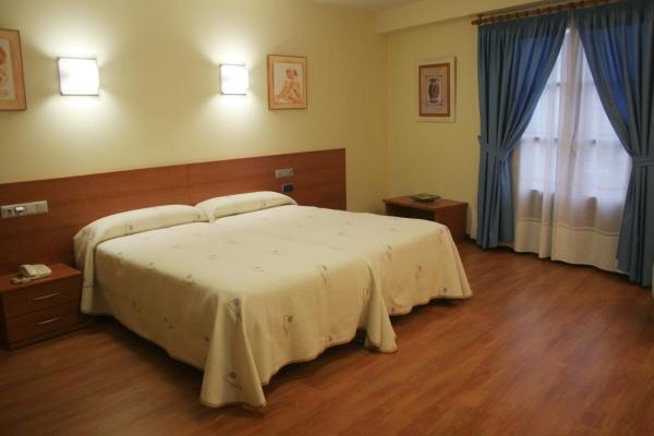 Hotel Pictures: Hotel Zaravencia, Toro