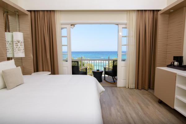 Premium Double or Twin Room Ocenfront (3 Adults)
