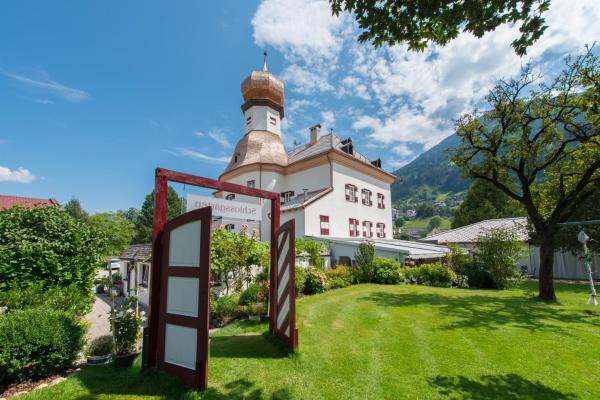 Foto Hotel: Schloss Mitterhart, Schwaz