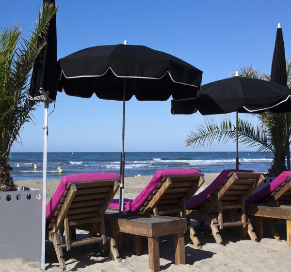 Hotel Pictures: Vittoria Immobilier - Résidence les Cyprianes 19, La Grande-Motte