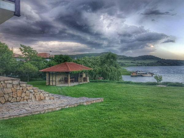 酒店图片: Beliyat Dom, Asparukhovo