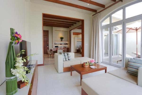 Seaview Villa with Breakfast