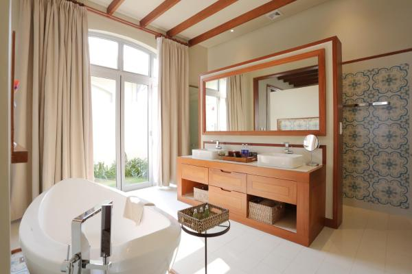 Pool Suite with Breakfast and Spa