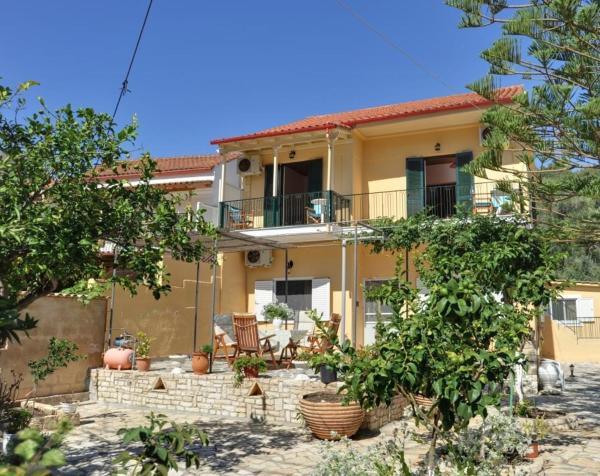 Дом в Корфу в сельской местности