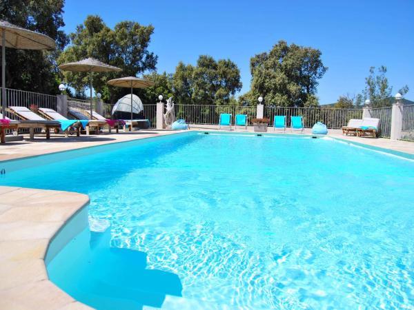 Hotel Pictures: La Villa Nais B&B, Bormes-les-Mimosas