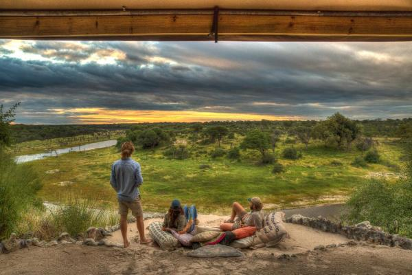 Hotel Pictures: Meno A Kwena Tented Camp, Ngwala
