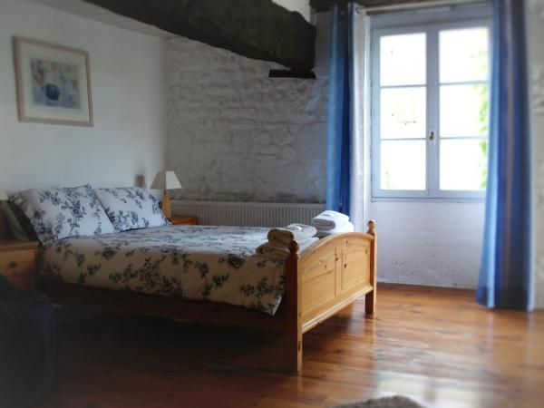 Hotel Pictures: Hotel La Vieille Maison, Saint-Paul-Lizonne