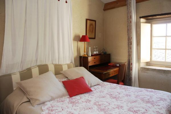 Hotel Pictures: Chateau De Castelneau, Saint-Léon