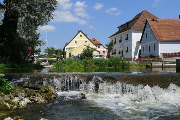 Hotel Pictures: Zum Weißen Rössl, Kallmünz