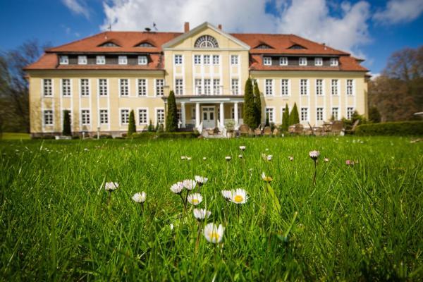 Hotelbilleder: Schloss Wulkow, Wulkow