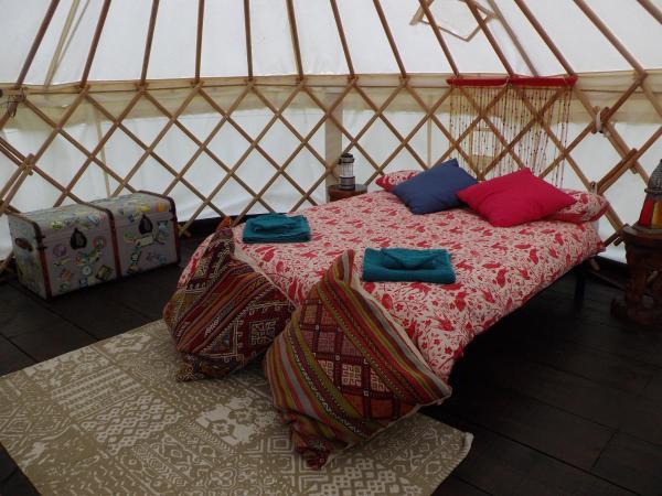 Hotel Pictures: La Fermette Luxury tent, Glomel