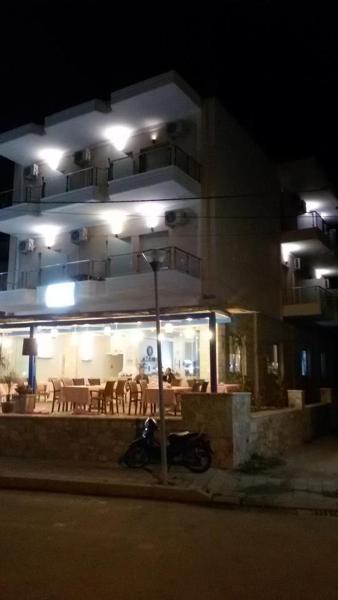 Hotel Pictures: Golden Beach Hotel, Himare