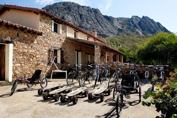 Hotel Pictures: Casa Rural Finca La Sierra, Berzocana