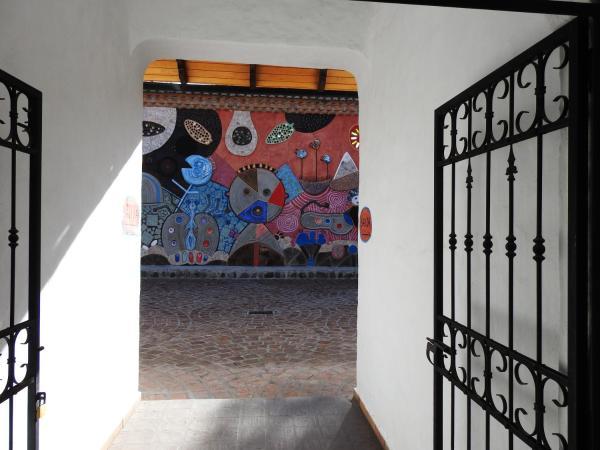Hotel Pictures: Hosteria y Spa Pantavi, Tumbabiro