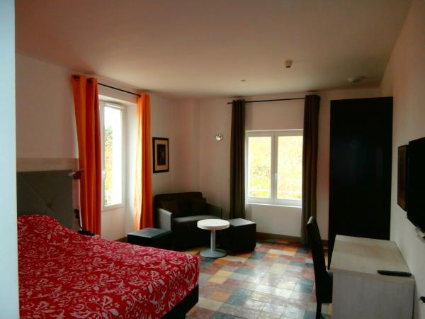 Hotel Pictures: Hôtel le Moderne, Saint-Paul-le-Jeune