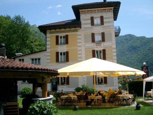 Hotel Pictures: Bed & Breakfast Villa d'Epoca, Aurigeno