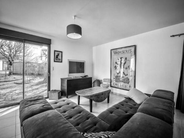 Hotel Pictures: Rental Villa La Vie De Village, Le Fenouiller