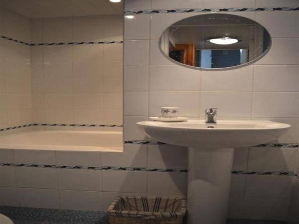Hotel Pictures: Rental Villa En Bordure De Forêt Domaniale, Longeville-sur-Mer