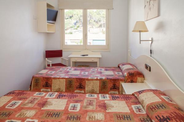 Hotel Pictures: Hotel Agora, Port de la Selva