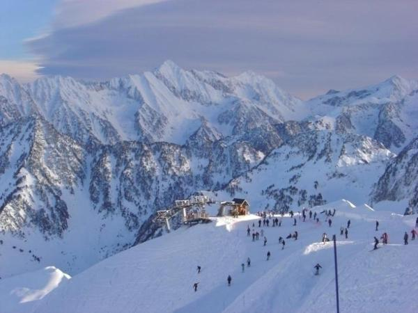Hotel Pictures: Rental Apartment Angleterre 2, Cauterets