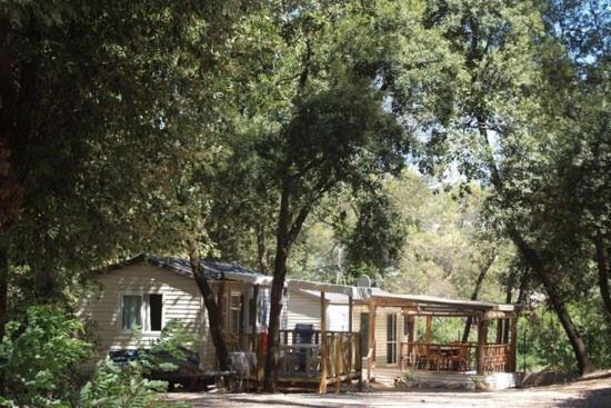 Hotel Pictures: Camping de la Foux, Draguignan