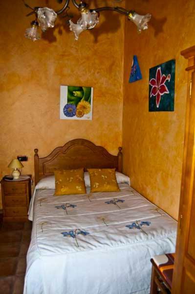 Hotel Pictures: Casa Rural Dos Infantas Las Lilas, Valdespino