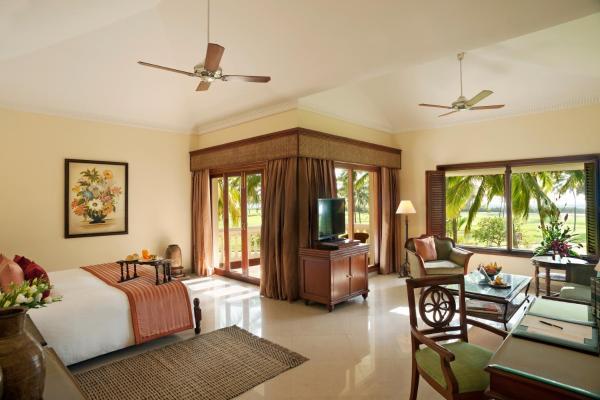 Premium King Bed Sea View