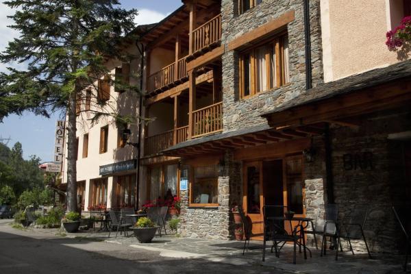 Hotel Pictures: Hotel Llacs De Cardos, Tavascan
