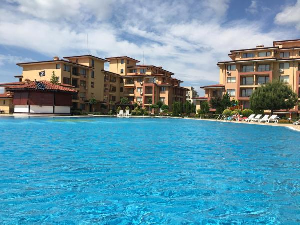 Foto Hotel: Ferie Apartments in Magic Dreams Complex, Sveti Vlas