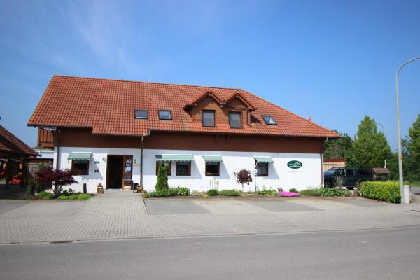 Hotel Pictures: Landhaus-Pension Am Pfaffensee, Harthausen