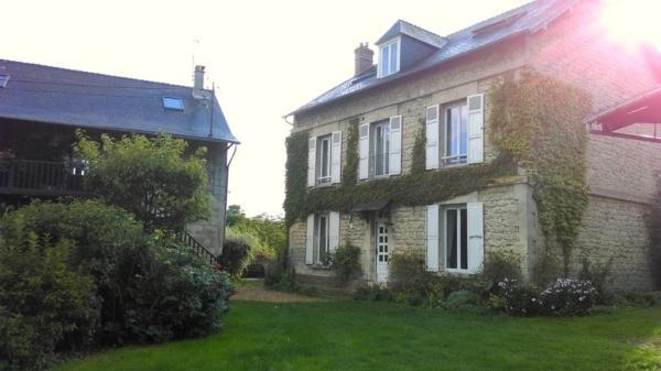 Hotel Pictures: La Grande Maison, Chivres-Val