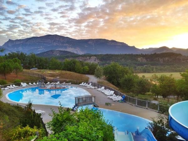 Hotel Pictures: Camping le Couriou, Recoubeau