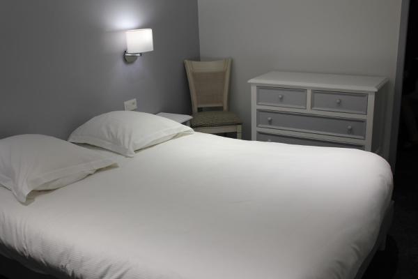 Hotel Pictures: Appartement Vue Mer Au Jardin De La Comtesse, Saint-Quay-Portrieux