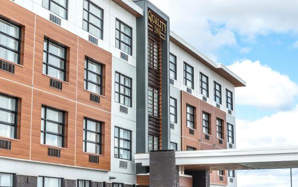 Hotel Pictures: Quality Inn Sept-Iles, Sept-Îles