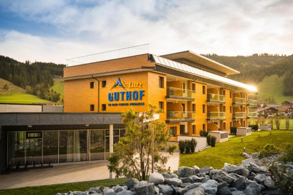 Hotellikuvia: Ferienwohnungen Guthof, Schattwald