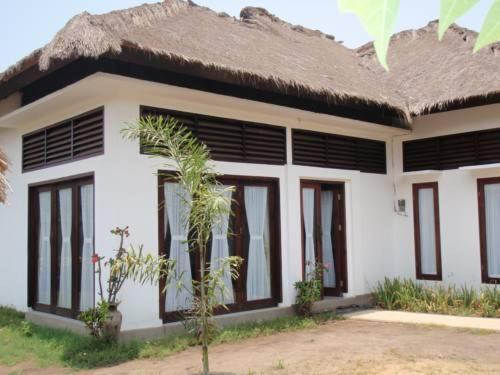 Detached Beach Front 3 Bedrooms Villa