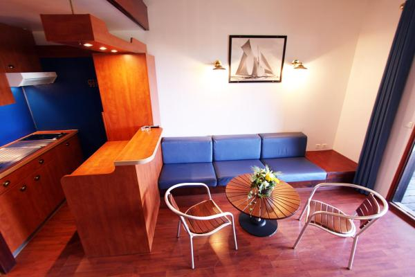 Apartment (2 Adults + 3 Children) (S)