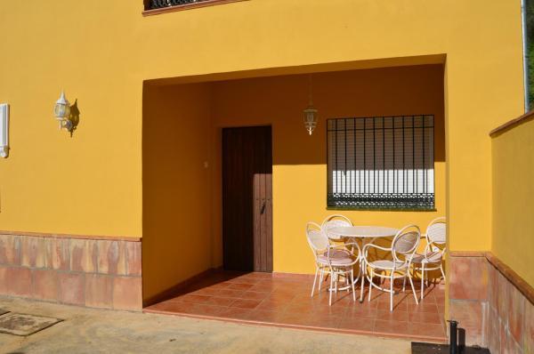 Hotel Pictures: Apartamento El Serrano, Benaoján