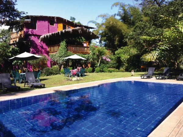 Hotel Pictures: El Abrazo del Arbol - Farm Eco Lodge, Mindo