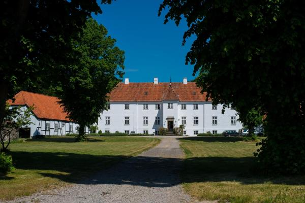 Hotel Pictures: Øbjerggård Bed & Breakfast, Lundby