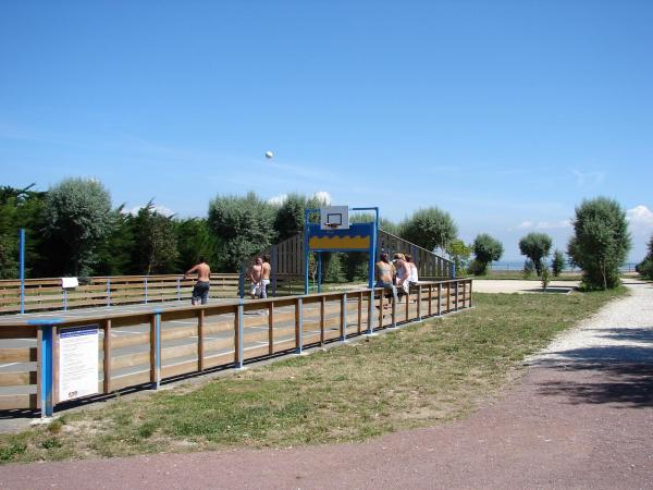 Hotel Pictures: Camping Phare Ouest, Saint-Denis-d'Oléron
