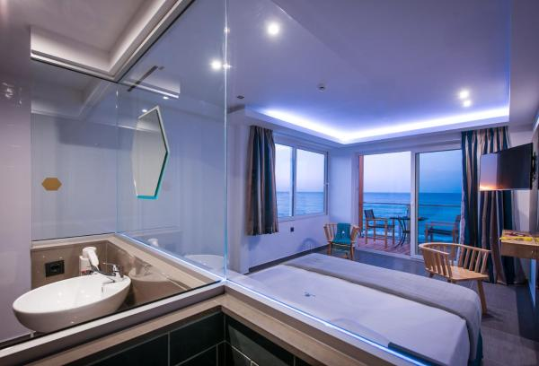 Deluxe Junior Suite - Seafront