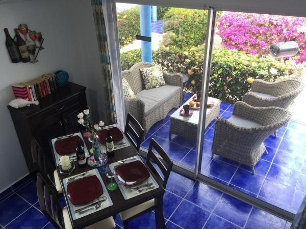 Hotel Pictures: Oceanfront Townhome in Marazul Dive Resort, Sabana Westpunt
