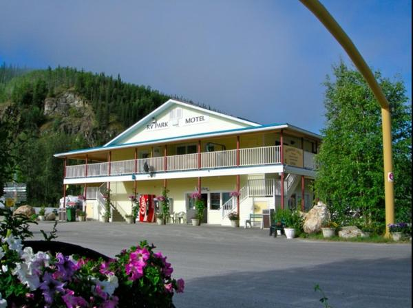 Hotel Pictures: Bonanza Gold Motel, Dawson City
